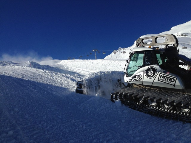 Kitzsteinhorn Superpipe is under construction right now