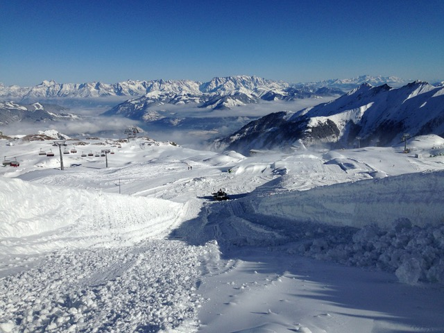 The SupThe Superpipe and Easy Park at Snowpark Kitzsteinhorn will open friday, 25th Novembererpipe and Easy Park at Snowpark Kitzsteinhorn will open on friday