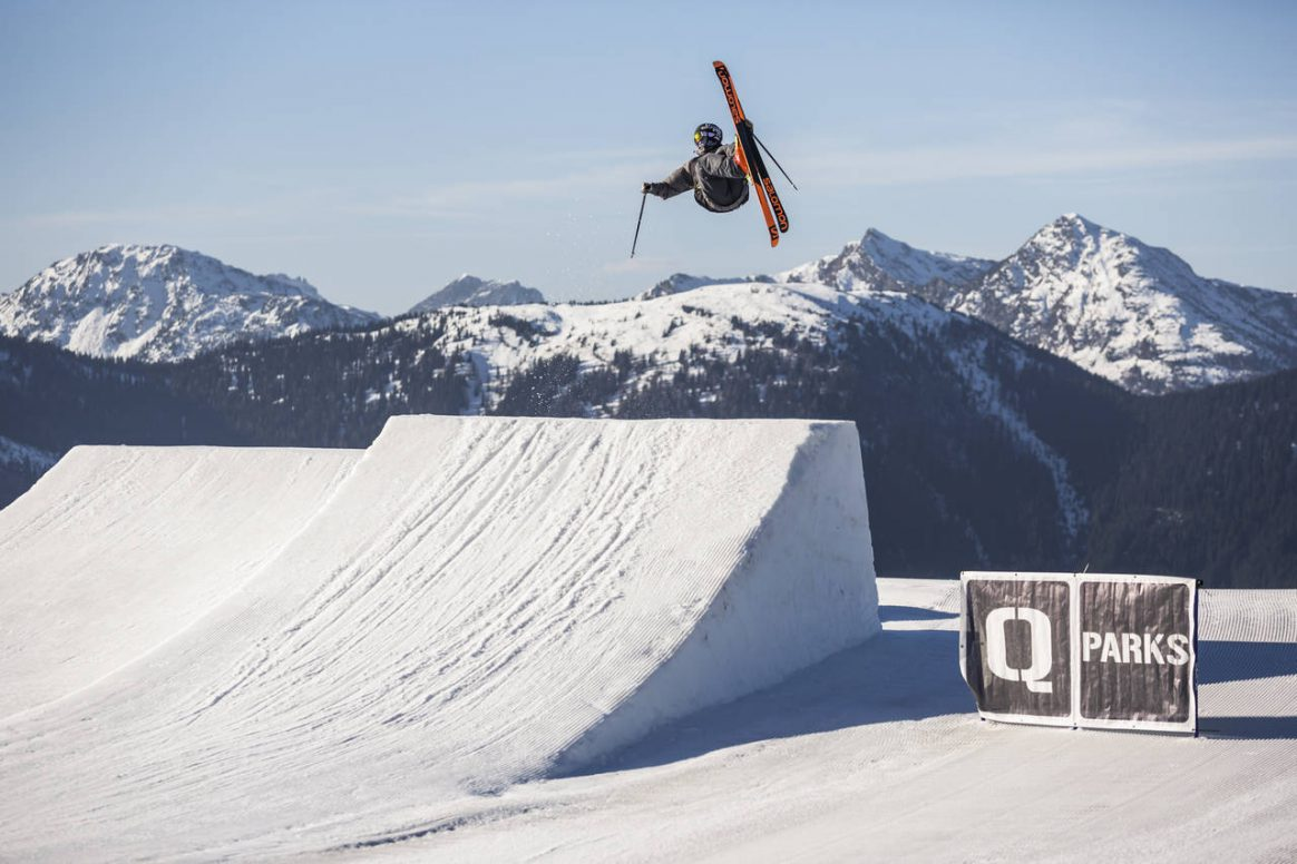 Lukas Müllauer sending it at the QParks Tour stop Planai by Roland Haschka