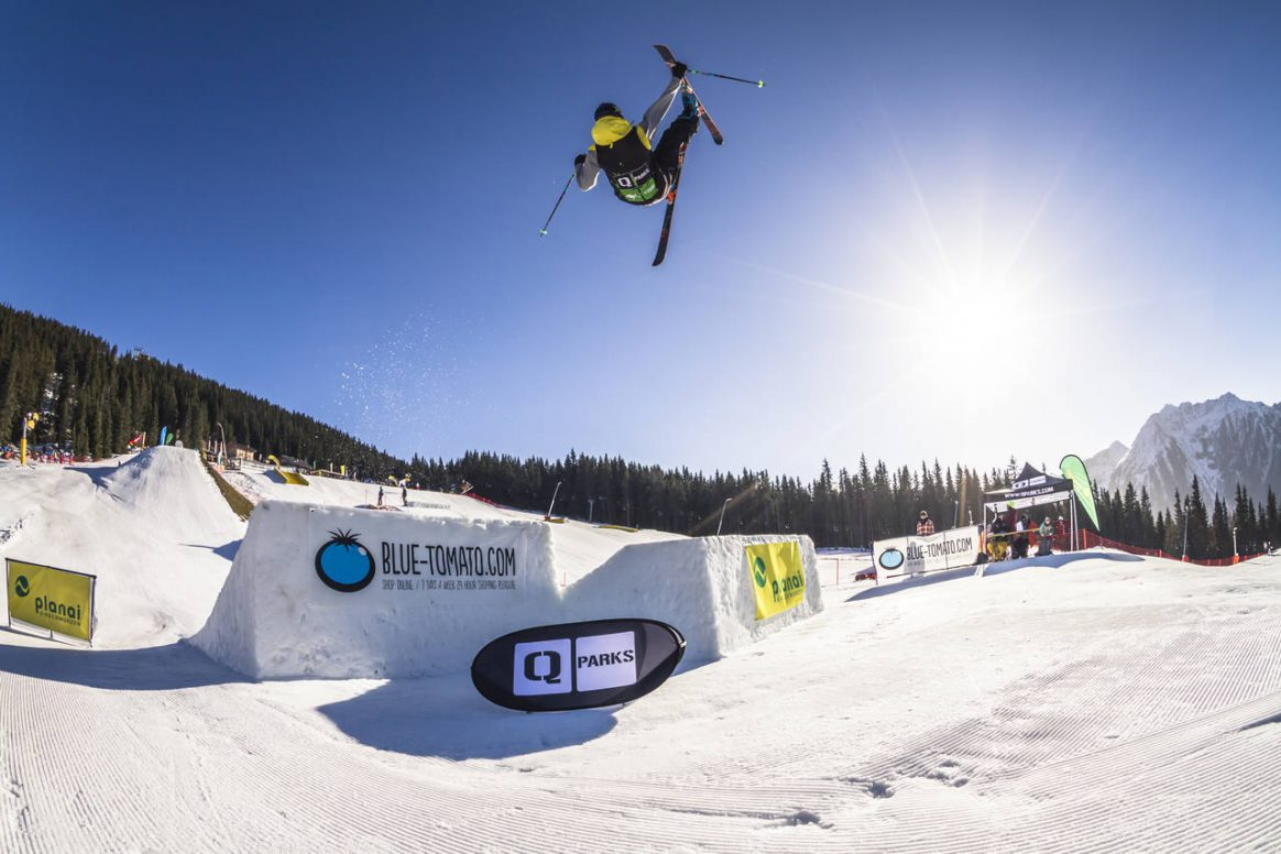 Stefan Gratzer getting some airtime at the PlanP QParks Freeski Tour captured by Roland Haschka