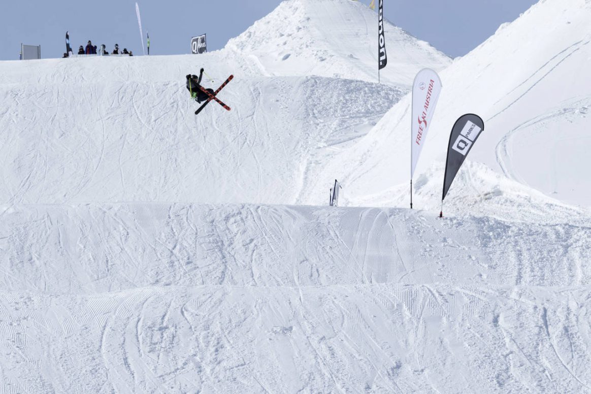 Get corked at the QParks Freeski Tour stop Nock'n'Rock at Snowpark Turracher Höhe captured by Katja Pokorn