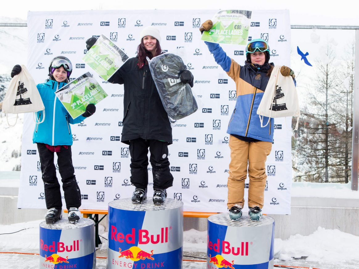Womens podium at the QParks Freeski Tour Battle Rojal at Snowpark Schöneben 2017 csptured by Patrick Steiner