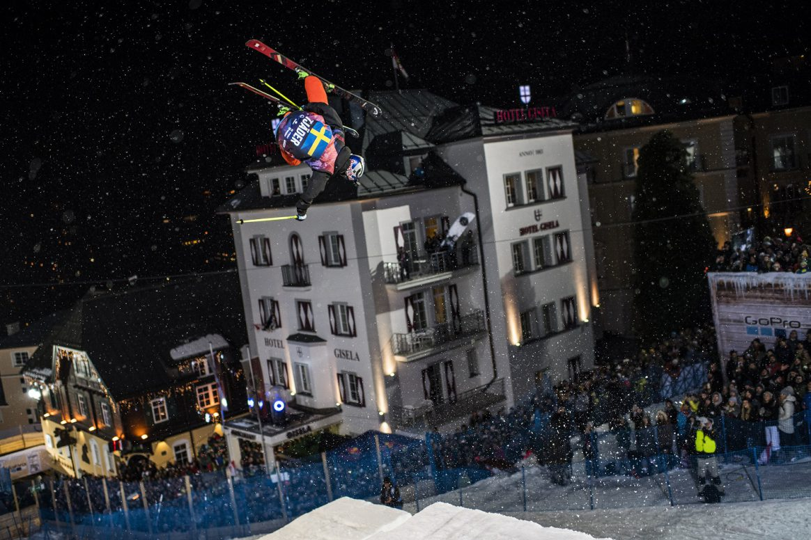 Jesper Tjäder flying to victory at the Red Bull Playstreets in Bad Gastein
