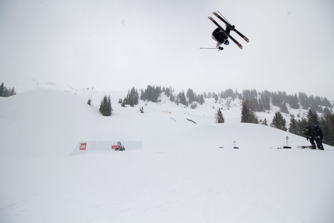 Unknown skier at Absolut Park Spring Battle