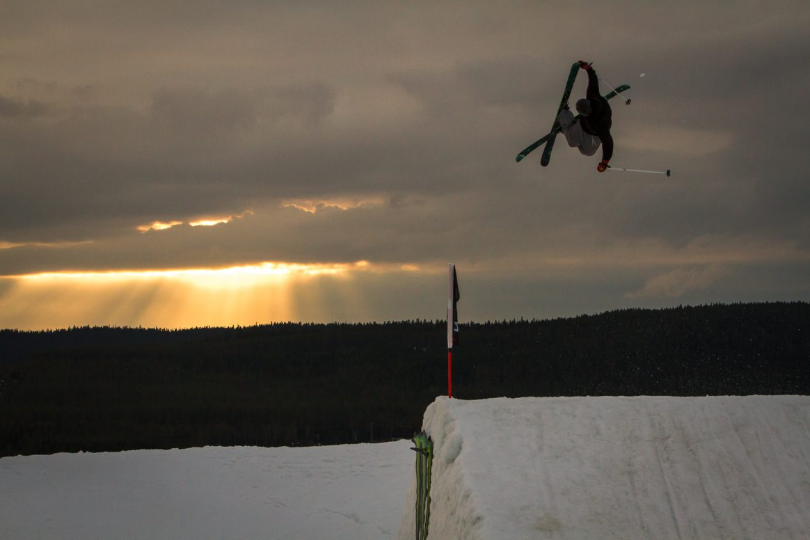 Quinn Wolferman grabs blunt into the sunset at Kimbo Sessions 2018 in Kläppen, Sweden