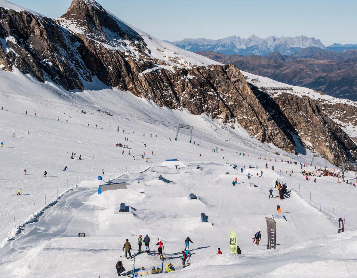 Kitzsteinhorn Glacier Snowpark Setup November 2018